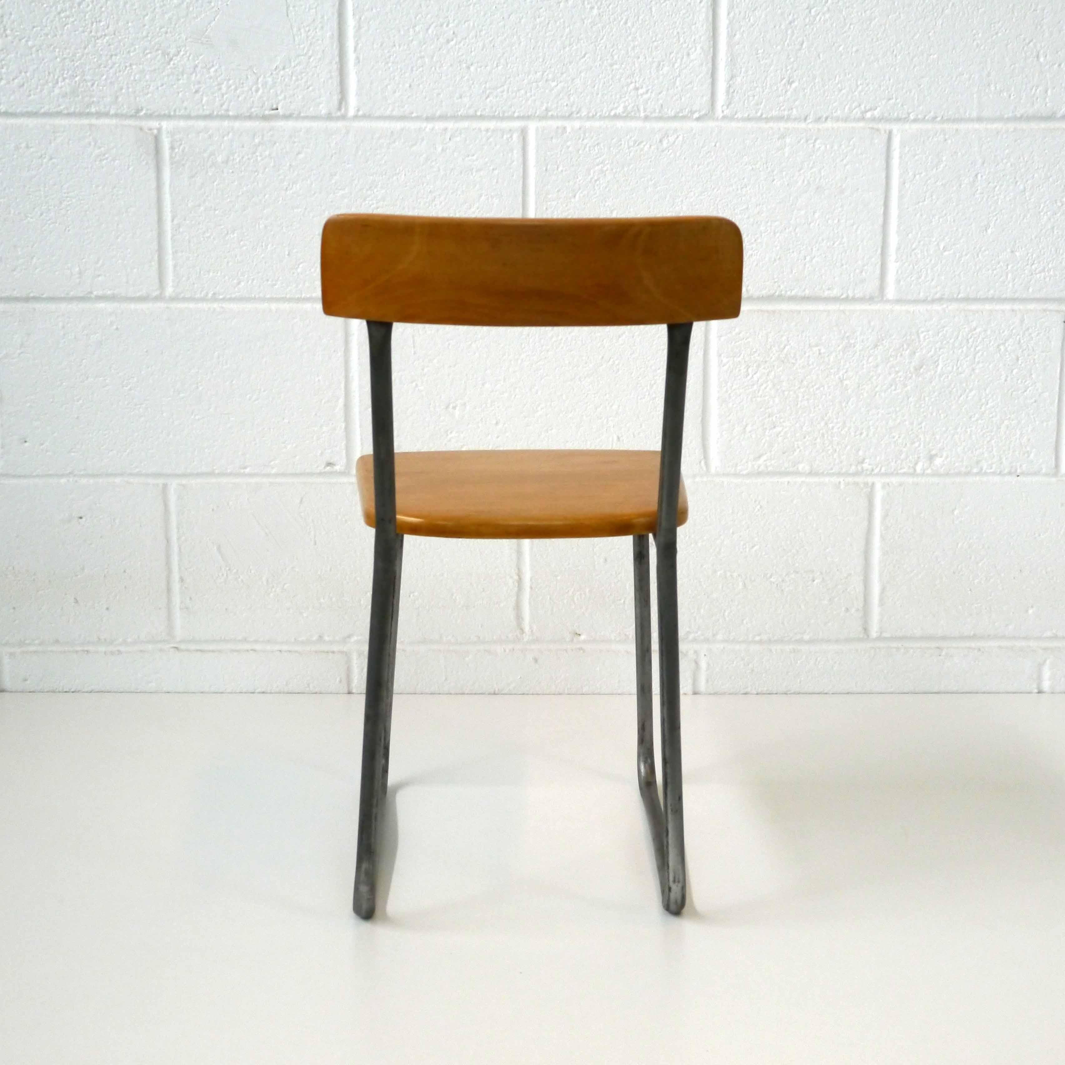 chaise design 1928 la marelle mobilier et d co vintage pour enfants. Black Bedroom Furniture Sets. Home Design Ideas