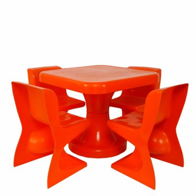 SELAP - Table & Chairs.