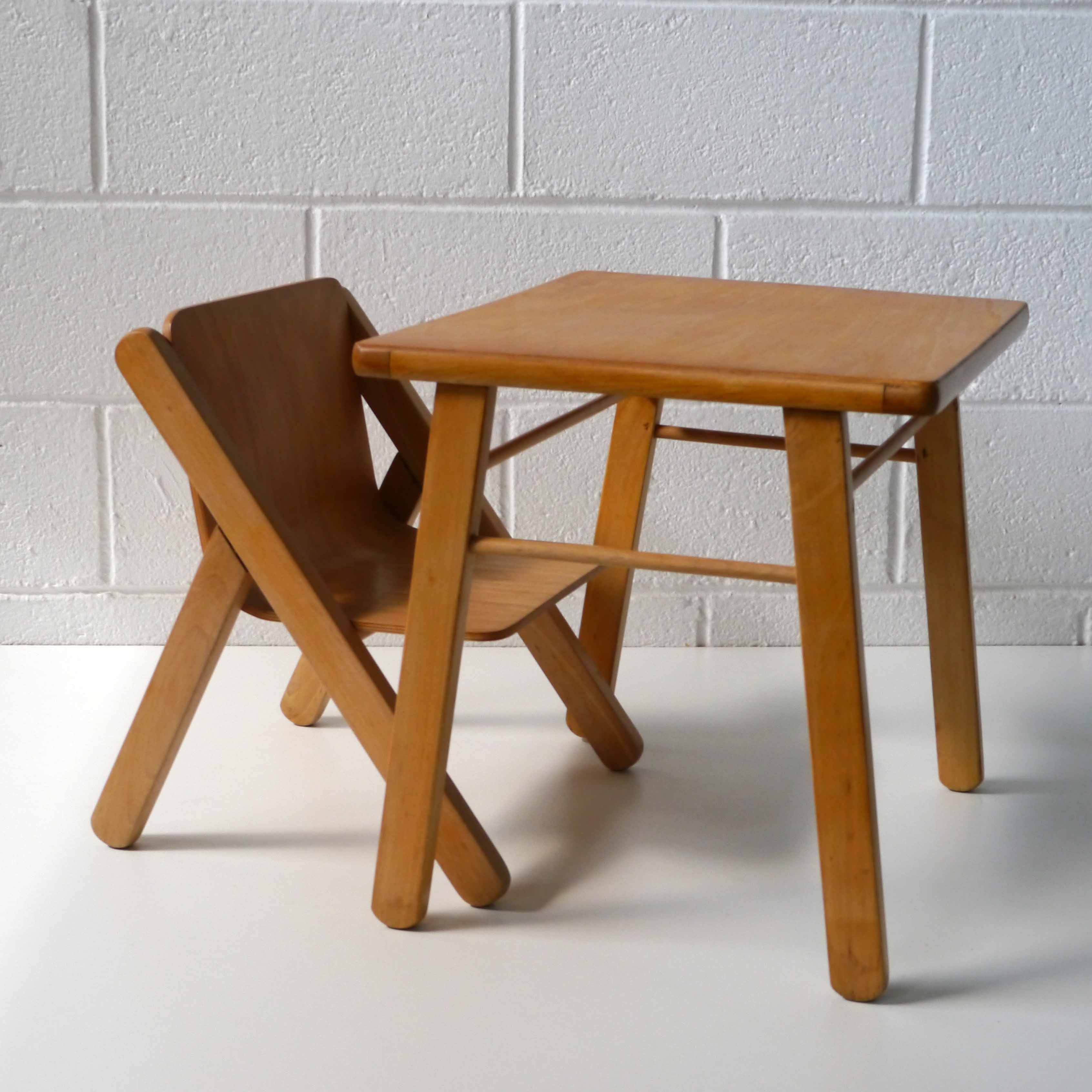 bureau enfant design la marelle mobilier vintage pour enfant. Black Bedroom Furniture Sets. Home Design Ideas