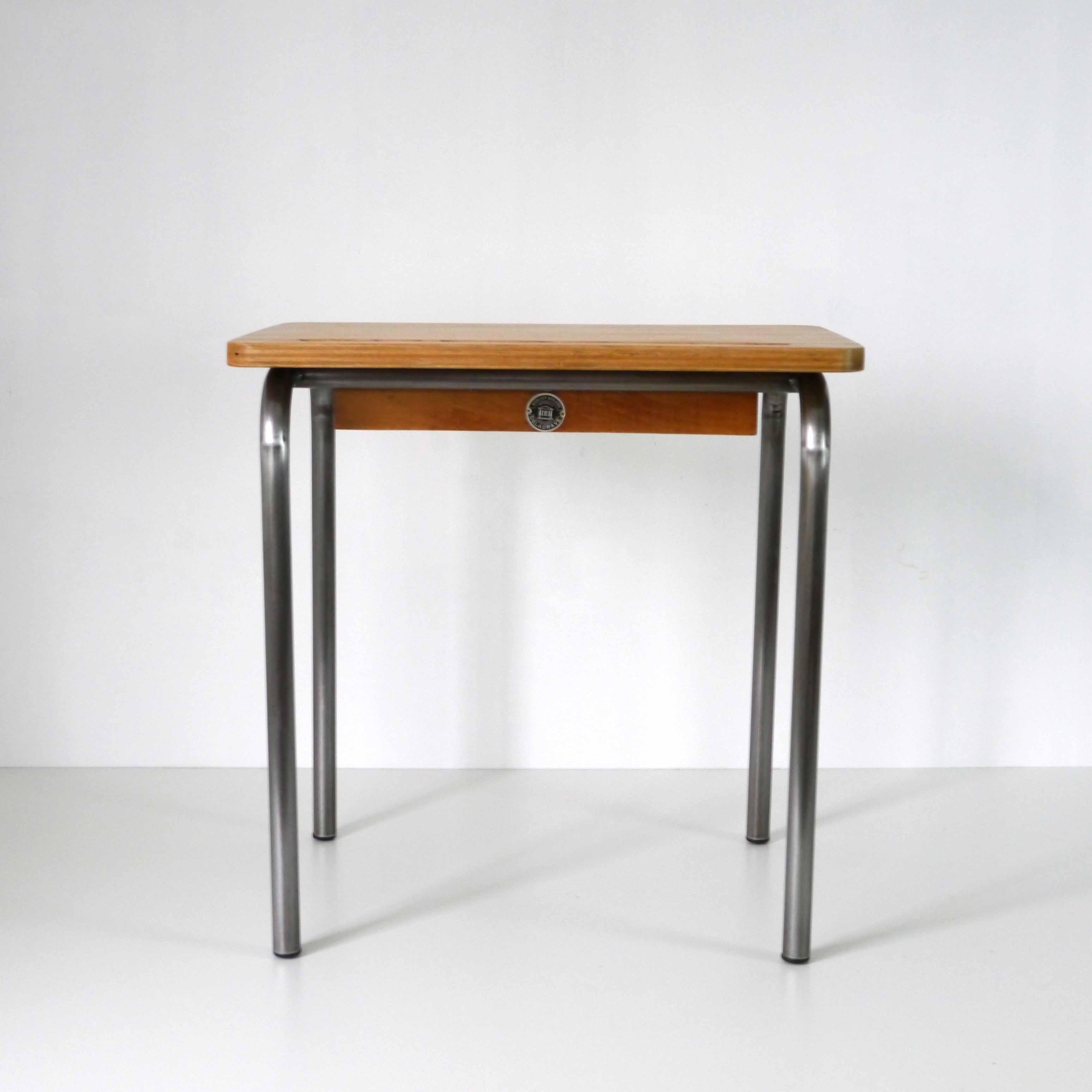 bureau ecolier la marelle mobilier vintage pour enfants. Black Bedroom Furniture Sets. Home Design Ideas